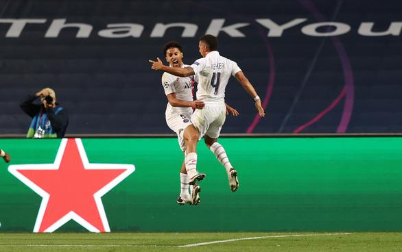 Ghi 2 bàn trong ba phút cuối, PSG giật vé vào bán kết Champions League từ tay Atalanta - Ảnh 3.