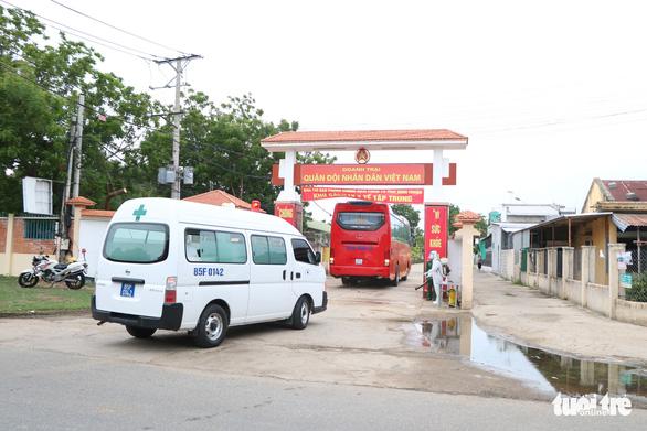 230 người từ Malaysia đã về Ninh Thuận cách ly tập trung - Ảnh 3.