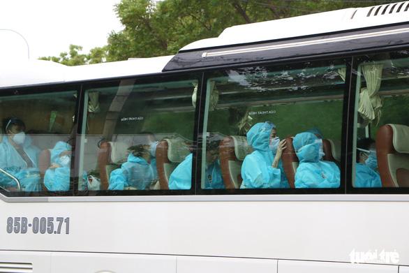 230 người từ Malaysia đã về Ninh Thuận cách ly tập trung - Ảnh 2.