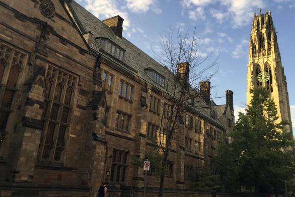 Bộ Tư pháp Mỹ cáo buộc ĐH Yale kỳ thị sinh viên gốc Á trong tuyển sinh - Ảnh 1.