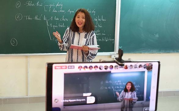 Sẽ bắt buộc dạy học trực tuyến? - Ảnh 1.