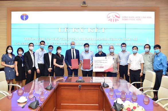 AIA Việt Nam mở rộng chương trình hỗ trợ lực lượng y tế phòng chống COVID-19 - Ảnh 1.