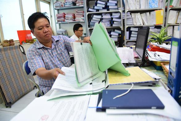Chủ đầu tư chậm làm thủ tục cấp giấy hồng bị đề xuất phạt gần 1 tỉ đồng - Ảnh 1.