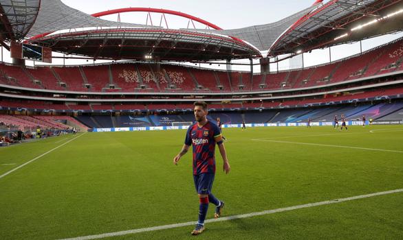 Vì Barca, trò chơi điện tử cũng lỗi thời - Ảnh 1.