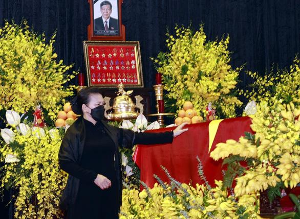 Vĩnh biệt Nguyên Tổng Bí Thư Lê Khả Phiêu: Tay nắm chặt tay, mong Anh  yên nghỉ - Ảnh 1.