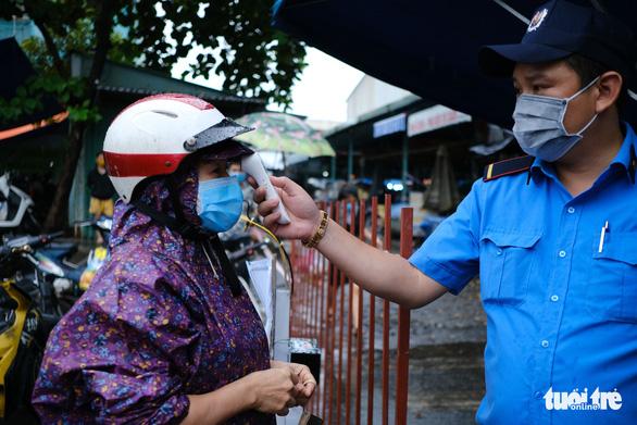 Đà Nẵng: Ra ngoài không cần thiết có thể bị phạt 5-10 triệu đồng - Ảnh 1.