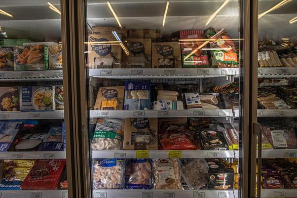 Virus corona nằm trên thực phẩm đông lạnh hơn 3 tuần nhưng ít nguy cơ lây - Ảnh 1.