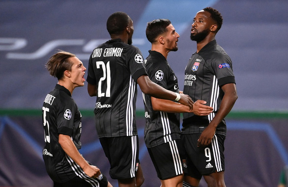 Lyon tạo địa chấn, loại Man City khỏi Champions League - Ảnh 1.