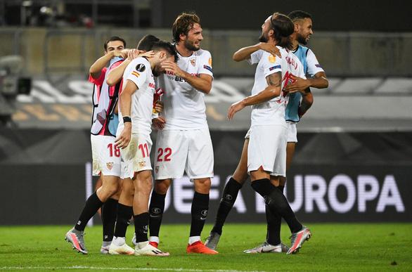 Bỏ lỡ hàng tá cơ hội, Man United bị loại ở bán kết Europa League - Ảnh 2.