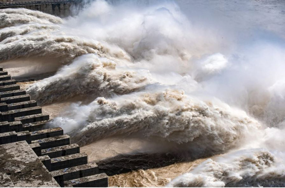 Trung Quốc lại cảnh báo lũ lụt, kêu gọi giảm áp lực cho đập Tam Hiệp - Ảnh 1.