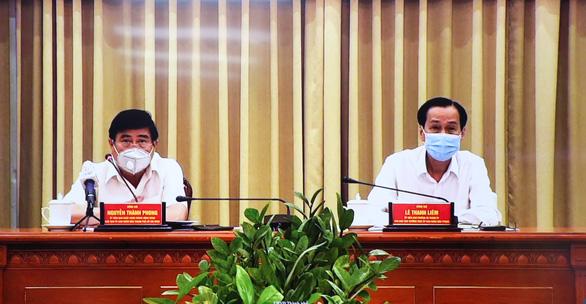 1 người Trung Quốc nhập cảnh trái phép, 50 công an bị cách ly - Ảnh 2.