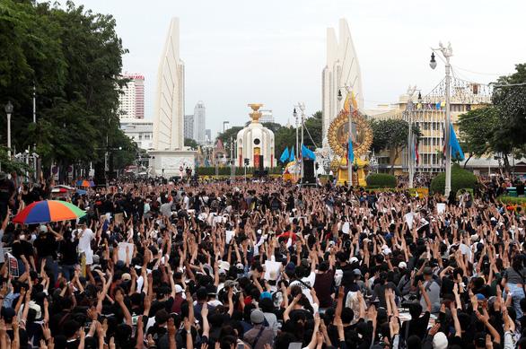 Thái Lan trước áp lực cải tổ - Ảnh 1.