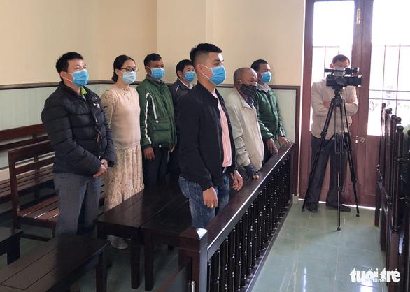 Nhận 9 tháng tù giam vì tát bảo vệ bệnh viện khi được yêu cầu đo thân nhiệt - Ảnh 2.
