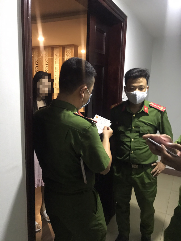 Truy tố nhóm tổ chức cho người Trung Quốc nhập cảnh trái phép vào Đà Nẵng - Ảnh 1.