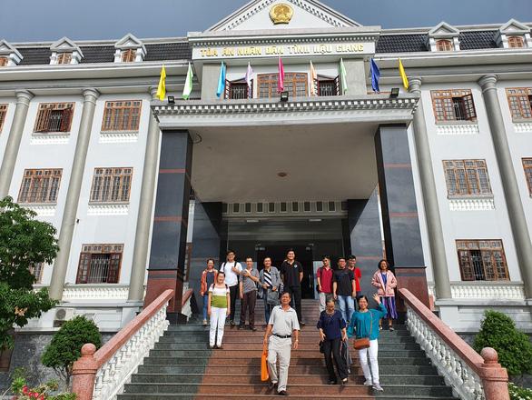 29 sinh viên kiện Đại học Tân Tạo đòi trả hồ sơ gốc - Ảnh 1.