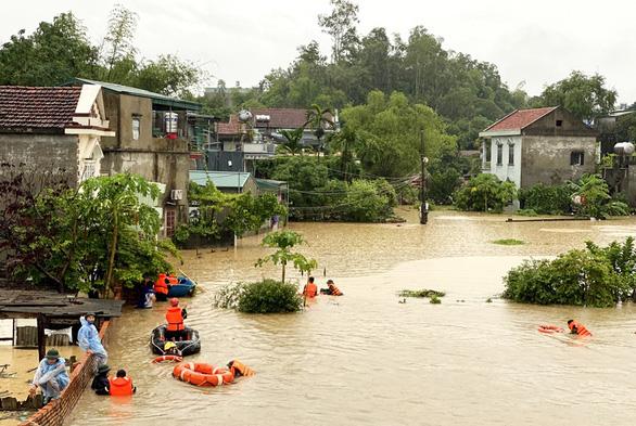 Bão số 4 vào đất liền Trung Quốc, miền Bắc nhiều nơi mưa lớn, nguy cơ lũ quét - Ảnh 2.