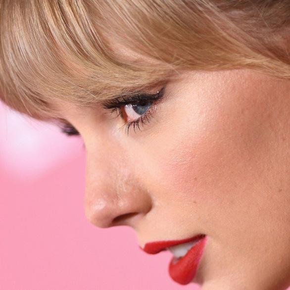 Taylor Swift lại 'gây bão' công kích Tổng thống Trump - Ảnh 1.