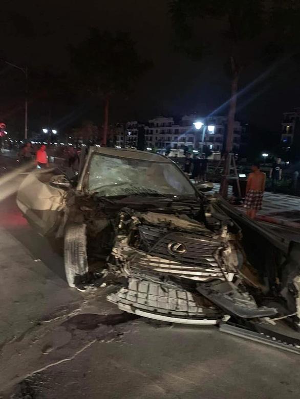 Tài xế Lexus phóng như bay gây tai nạn liên tiếp tông chết một phụ nữ - Ảnh 2.