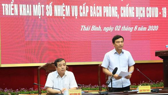 Vừa hủy công tác, lãnh đạo tỉnh Thái Bình lập tức họp chỉ đạo phòng chống dịch COVID-19 - Ảnh 1.