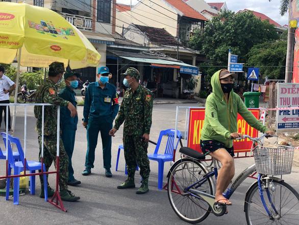 Quảng Nam phong tỏa tạm thời nhiều khu dân cư có nguy cơ lây nhiễm COVID-19 - Ảnh 5.