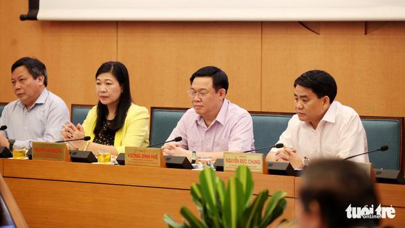 Thủ tướng: TP.HCM chưa nên giãn cách xã hội, đồng ý đưa 400 người kẹt ở Đà Nẵng về địa phương - Ảnh 1.