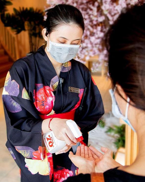 Nhà hàng Sushi Hokkaido Sachi không liên quan bệnh nhân COVID-19  - Ảnh 4.