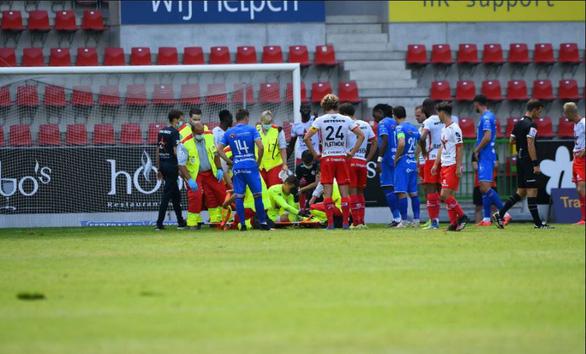 Đá giao hữu, cựu thủ môn tuyển Bỉ bị vỡ hộp sọ - Ảnh 1.