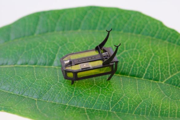 Robot cực nhỏ đầu tiên chạy bằng cồn - Ảnh 1.