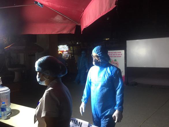 Thêm 1 ca COVID-19 ở Hà Nội, bệnh viện E tạm dừng nhận bệnh nhân - Ảnh 1.