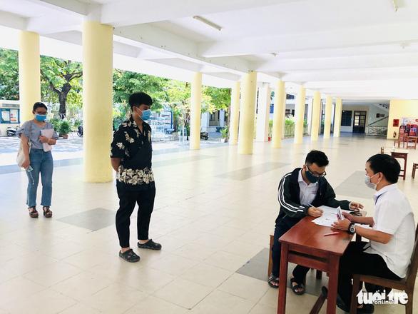 Đà Nẵng xét nghiệm COVID-19 tất cả học sinh, cán bộ tham gia kỳ thi tốt nghiệp THPT - Ảnh 1.