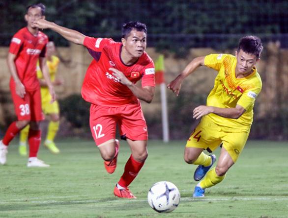 U22 Việt Nam đấu tập nội bộ, HLV Park Hang Seo chỉ cho đá 60 phút/trận - Ảnh 4.