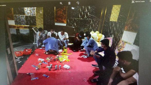 Giữa mùa dịch, 14 thanh niên thuê quán karaoke ăn nhậu và cùng dương tính với ma túy - Ảnh 1.