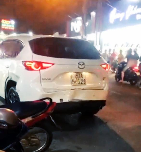 Bắt thanh niên 'ngáo đá' trộm ôtô tông vào xe cảnh sát khi bị truy đuổi - Ảnh 1.