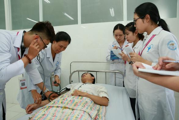 Đại học Văn Lang được cấp phép đào tạo Bác sĩ Răng Hàm Mặt - Ảnh 1.