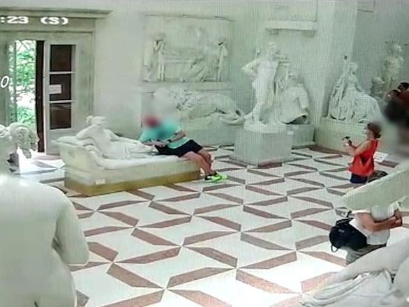 Phát ớn vì khách siêu quậy ngay hậu COVID-19, Venice tăng nặng hình phạt - Ảnh 2.