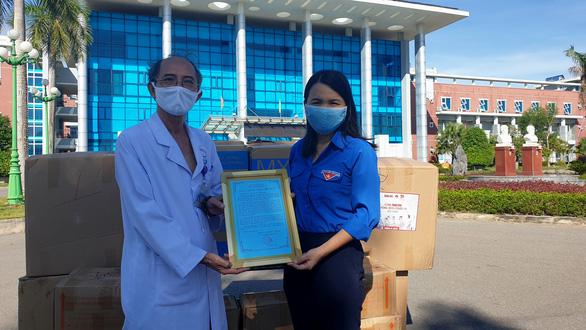Tiếp sức cho các 'điểm nóng' tại Quảng Trị chống dịch COVID-19 - Ảnh 1.