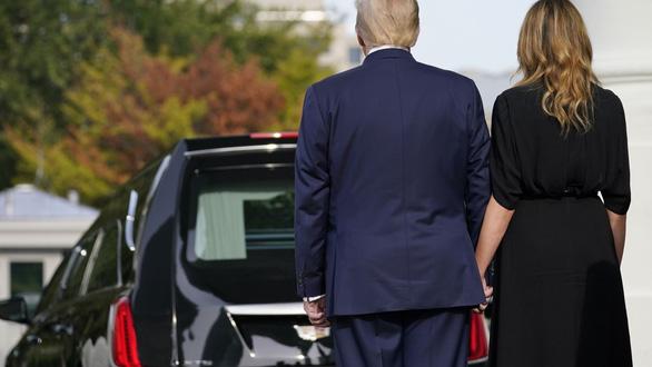 Làm tưởng niệm em trai tại Nhà Trắng, ông Trump phải bỏ tiền túi - Ảnh 2.