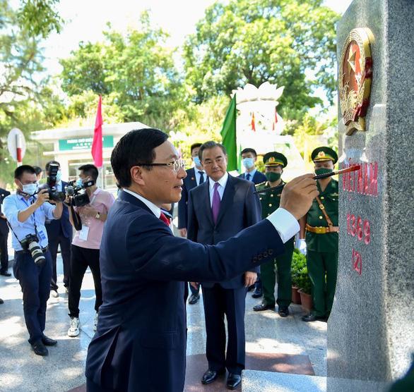 Việt Nam, Trung Quốc nhấn mạnh việc đưa quan hệ đối tác chiến lược đi vào chiều sâu - Ảnh 1.