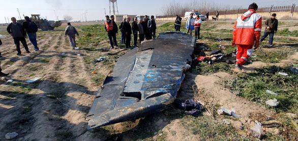 Máy bay Ukraine bị 2 tên lửa Iran bắn nhầm, hành khách còn sống sau tên lửa thứ nhất - Ảnh 1.