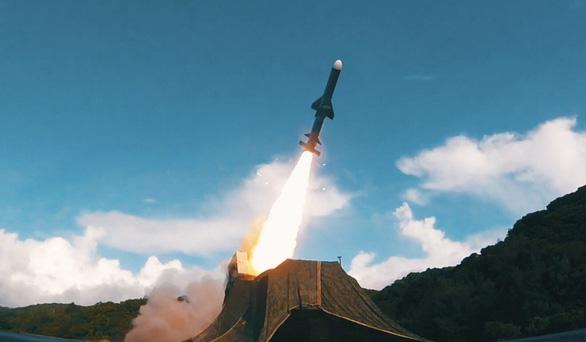 Đài Loan công bố video tập trận tự vệ nếu bị Trung Quốc tấn công - Ảnh 2.