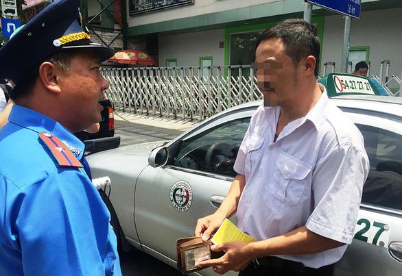 TP.HCM lập tổ phản ứng nhanh xử lý taxi, xích lô 'làm tiền' du khách - Ảnh 1.