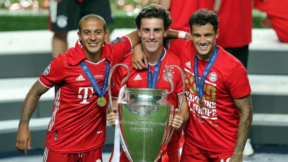 Cả mùa đá được 10 trận, cầu thủ Bayern vẫn có được cú... ăn 5 - Ảnh 1.