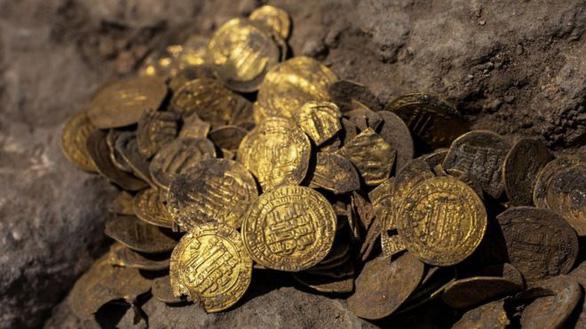 Tìm thấy kho tiền vàng nguyên chất 1.100 năm tuổi cực quý hiếm - Ảnh 6.