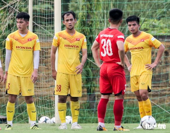 Mưa bàn thắng xuất hiện trong buổi đấu tập thứ hai của U22 Việt Nam - Ảnh 8.