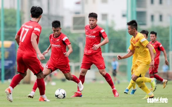 Mưa bàn thắng xuất hiện trong buổi đấu tập thứ hai của U22 Việt Nam - Ảnh 3.