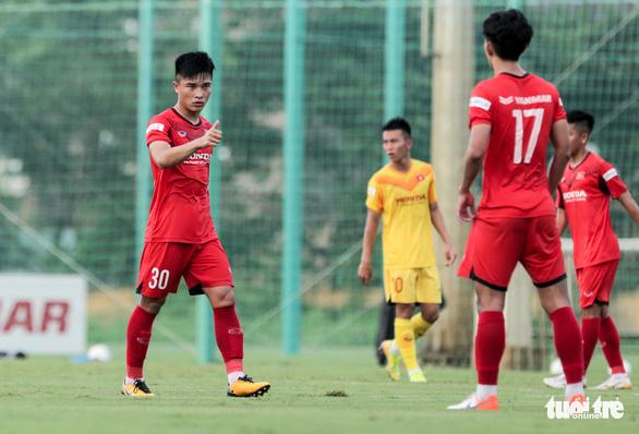 Mưa bàn thắng xuất hiện trong buổi đấu tập thứ hai của U22 Việt Nam - Ảnh 2.