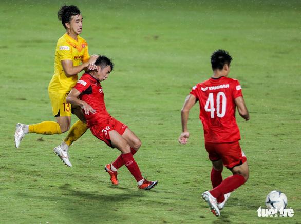 Mưa bàn thắng xuất hiện trong buổi đấu tập thứ hai của U22 Việt Nam - Ảnh 4.