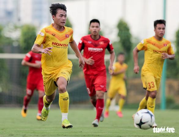 Mưa bàn thắng xuất hiện trong buổi đấu tập thứ hai của U22 Việt Nam - Ảnh 1.