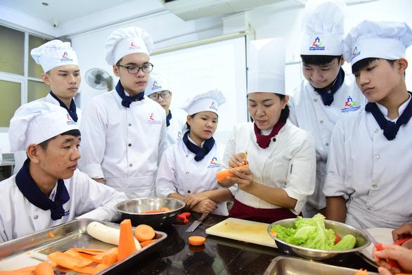 Sáng mai 25-8, báo Tuổi Trẻ tổ chức tọa đàm Chọn trường nghề cho lối vào đời - Ảnh 1.
