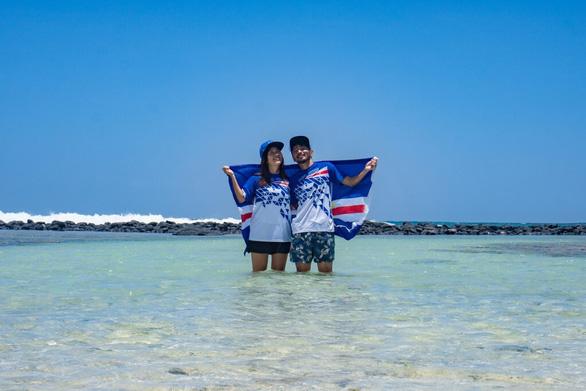 Bất ngờ thành đại sứ Olympic do mắc kẹt ở đảo vì dịch COVID-19 - Ảnh 1.